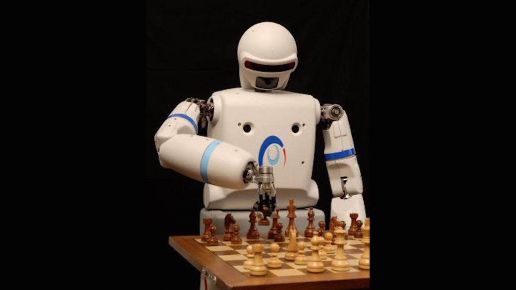 Robot playing chess, artificial intelligence