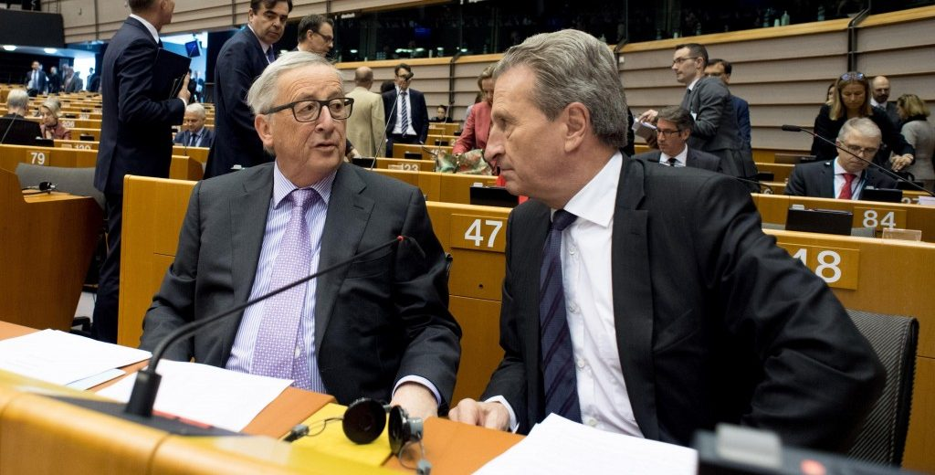 Jean-Claude-Juncker-Guenther-Oettinger-EP-Plenary-1024x520