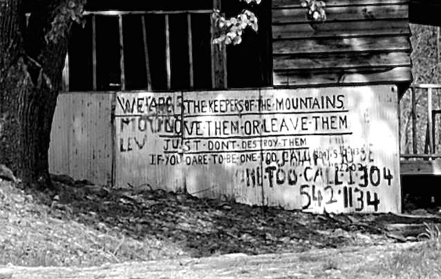 Larry Gibon's graffititee covered home