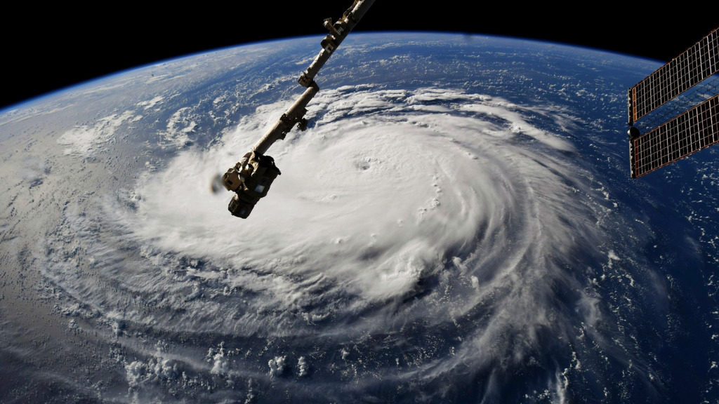 North Carolina-sized Hurricane Florence makes its way to North Carolina