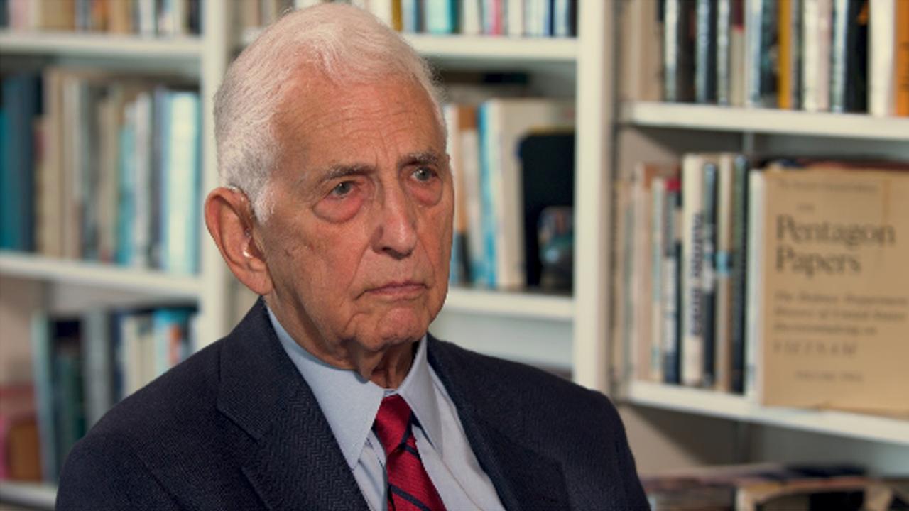U.S. Refuses to Adopt a Nuclear Weapon No First Use Pledge - Daniel Ellsberg on RAI (7/8)