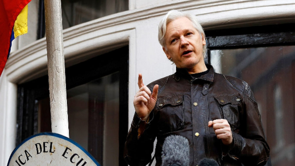 Ecuadorian Ex-Diplomat: Report Claiming Assange Met Manafort Is False