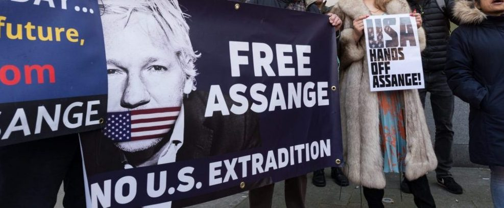 supporters-of-julian-assange-gather-outside-westminster-court-after-assanges-arrest.-photo-by-wiktor-szymanowicz-for-afp-nurphoto-e1555271701228