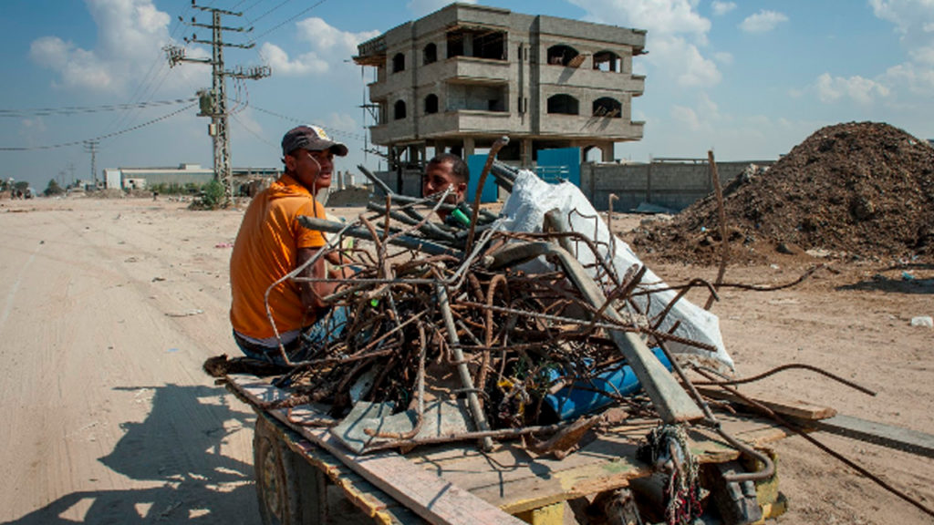 Gaza's Economic Crisis Sends Territory Into Poverty and Chaos