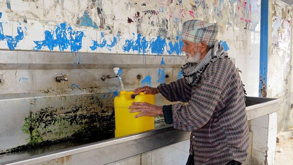 Gazans must buy their water most cannot afford it when 53% of the people are unemployed  Photographer Muhammad Sabah, B'Tselem